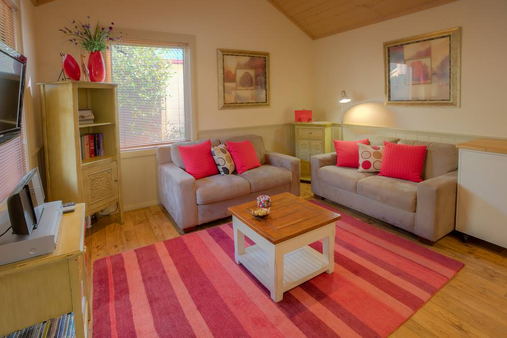 Bright Accommodation
